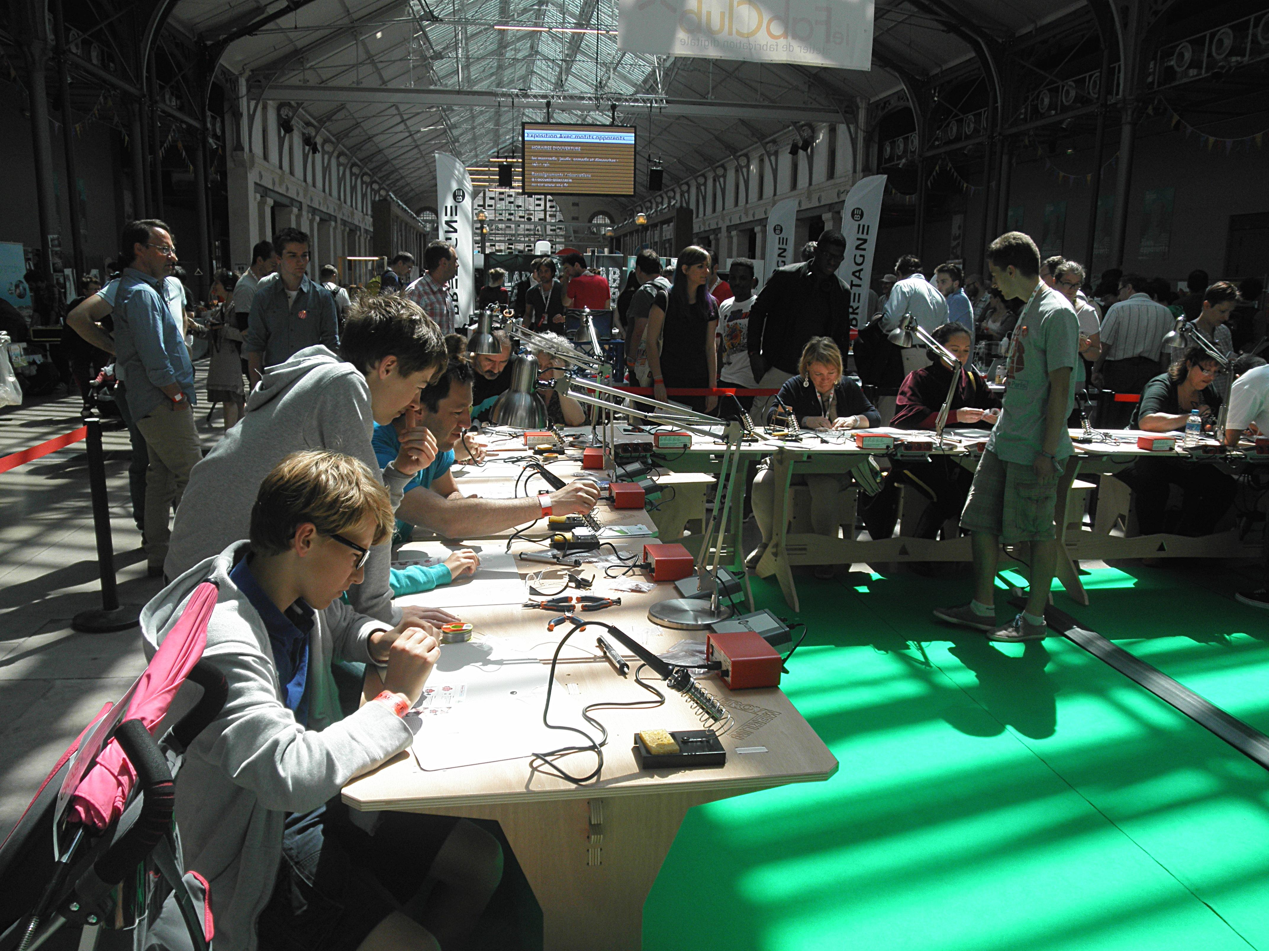 Maker Faire Paris Que La Force Soit Avec Les Makers Ces